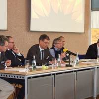 14 Podiumsdiskussion